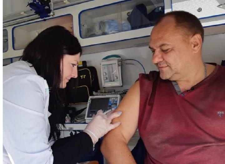 Жителям Константиновска бесплатно сделали прививки от гриппа