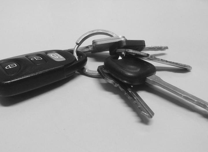 Оставил ключи: житель Дона спровоцировал угон своего автомобиля