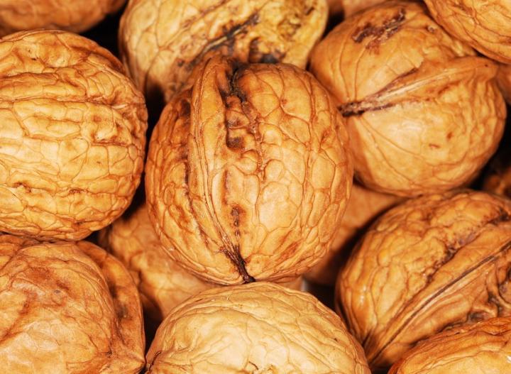 Яблоки, орехи, томаты: Россельхознадзор не пустил на Дон продукты с Украины