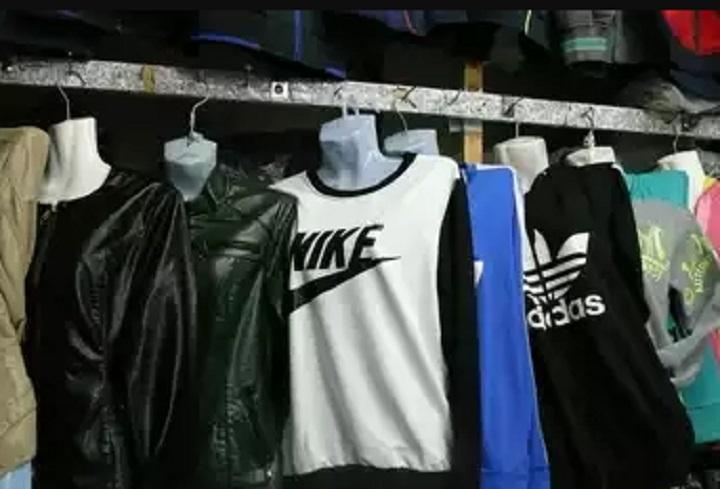 Таганрогского предпринимателя оштрафовали за торговлю фальшивыми Chanel и Adidas