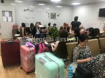 Несколько суток в аэропорту: ростовские туристы не могут вылететь из Южной Кореи