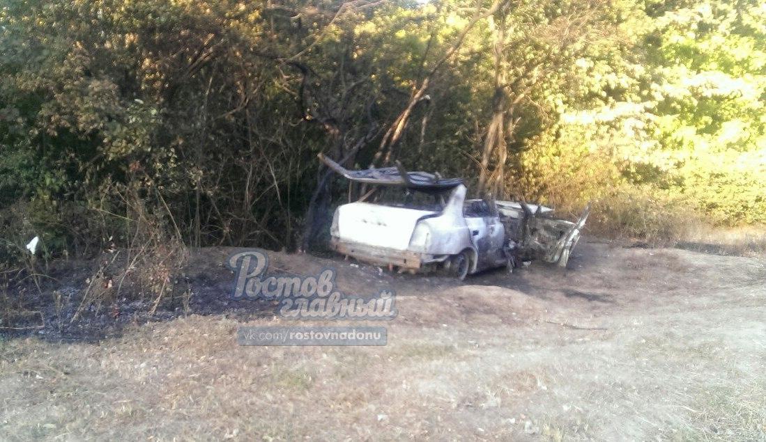 ВРостове мужчина умер взагоревшейся после ДТП машине