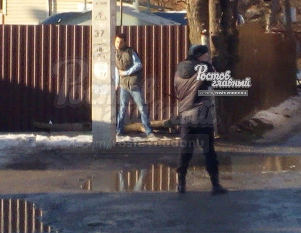 ВРостове-на-Дону мужчина напал сножом напрохожих