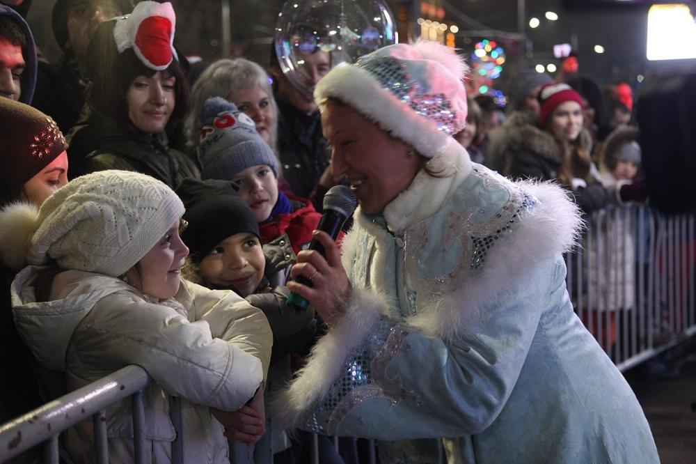Ростовчан игостей города приглашают встретить Новый год у основной городской елки