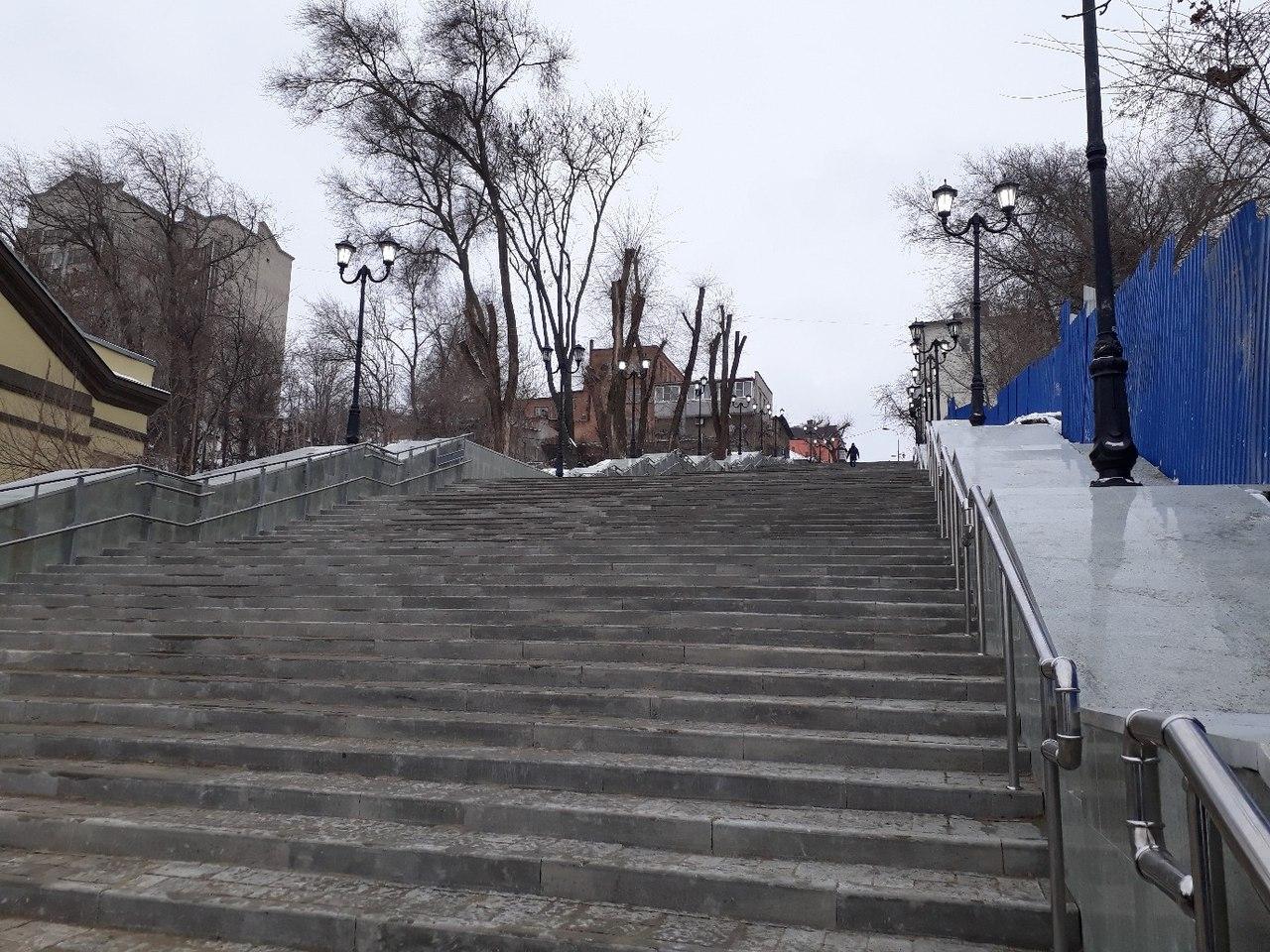 Подземная река— непомеха: вРостове закончилась реконструкция Казанской лестницы