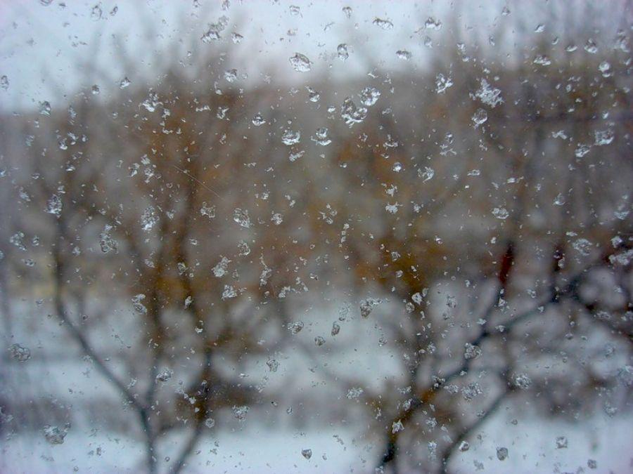 картинки про снег и дождь два офисных помещения