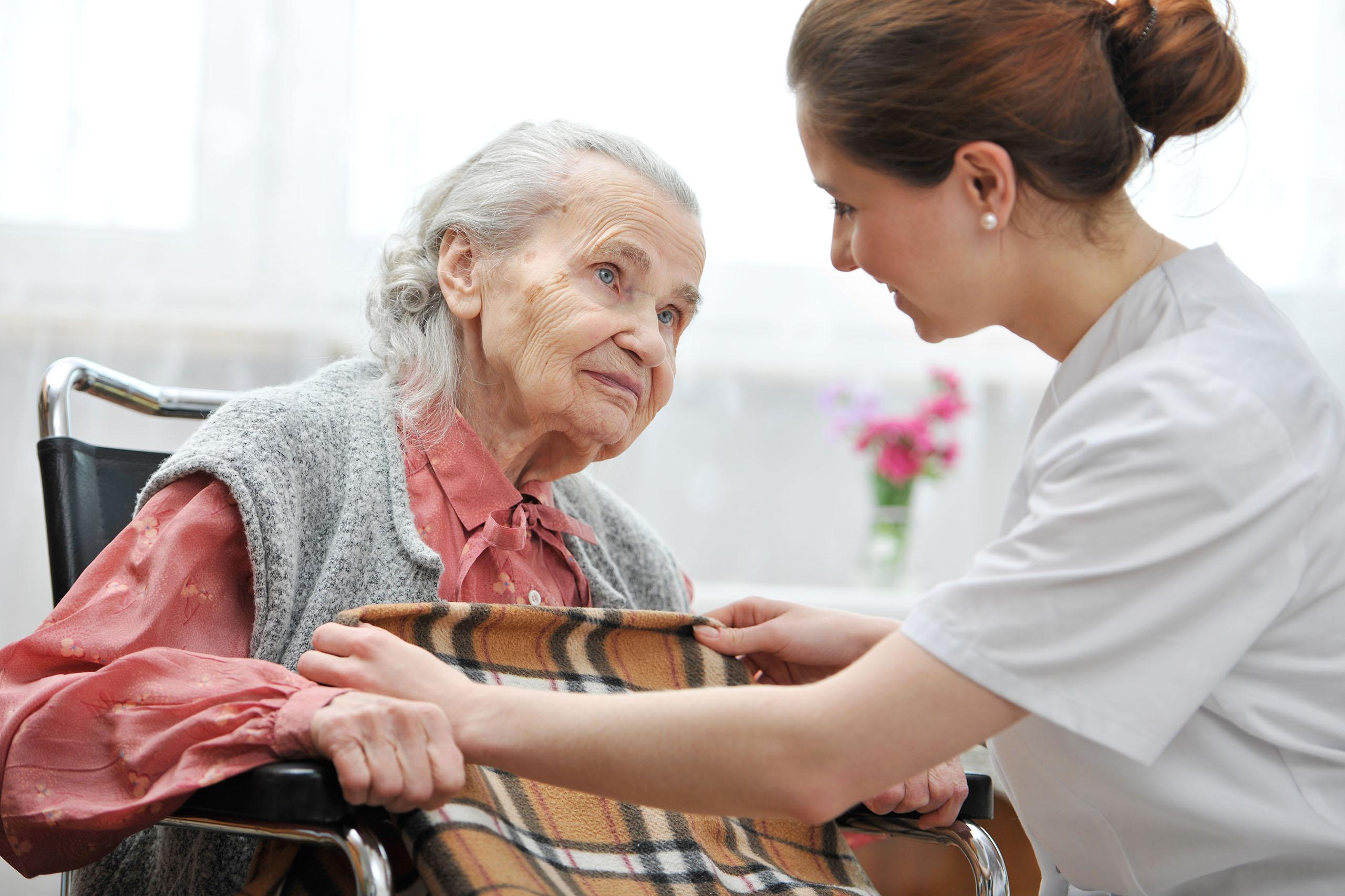 Картинки или фото с пожилыми людьми трактовкам восточных