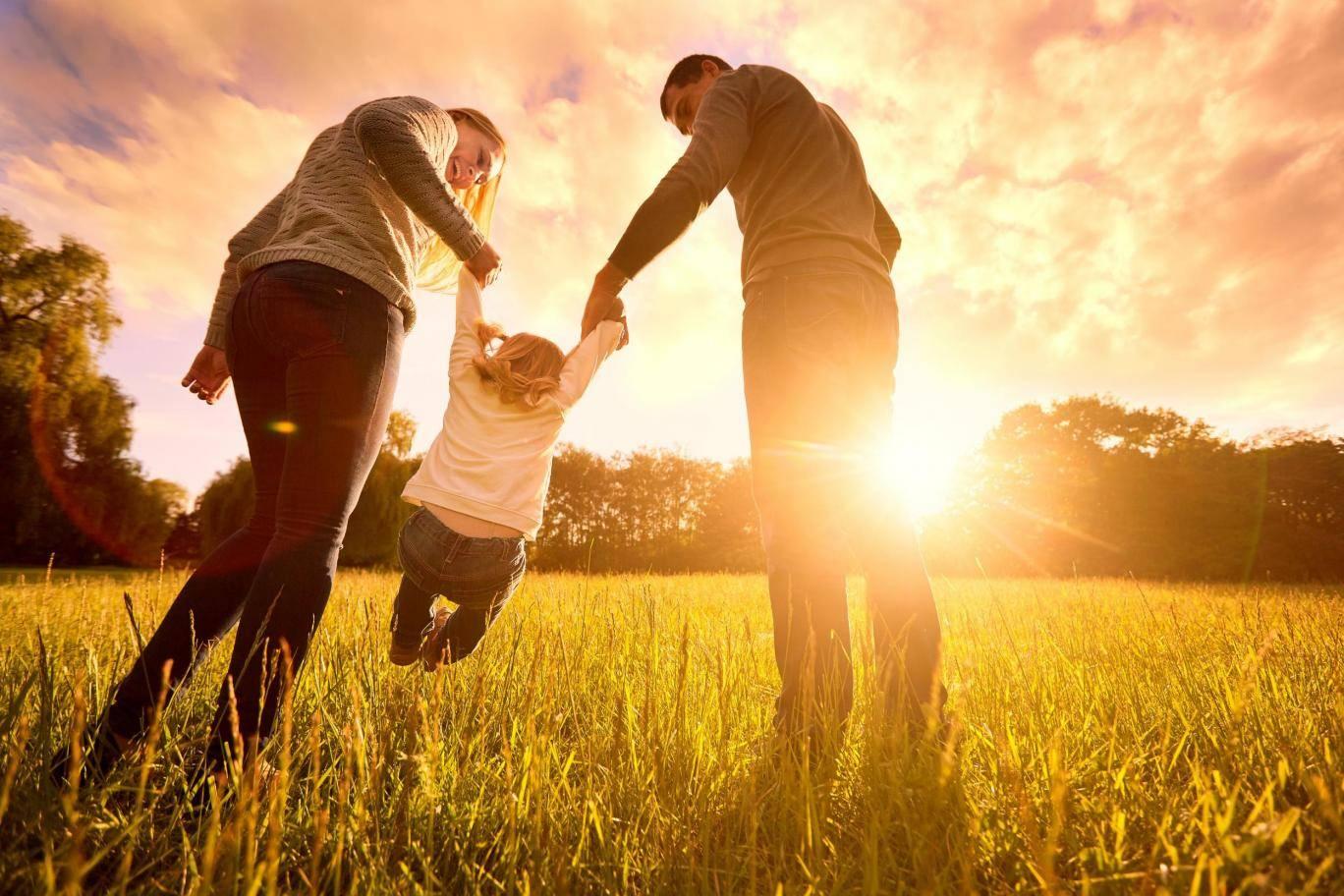 картинки любящей семьи с детьми вас